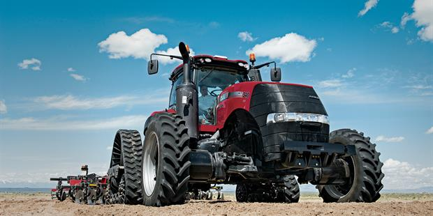 Case IH Magnum 340 CVT Rowtrac with tillage